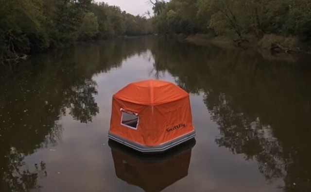 湖上のテント.jpg