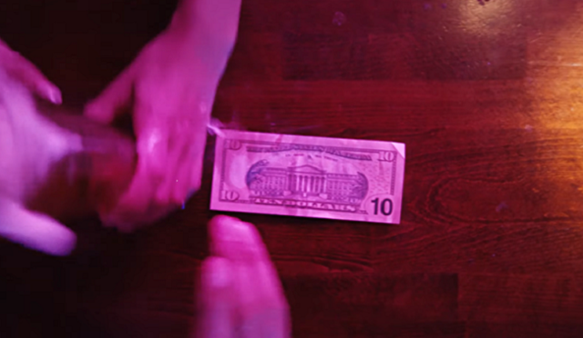 紙幣があなたの財布に辿り着くまでこんな冒険アップルペイ.png