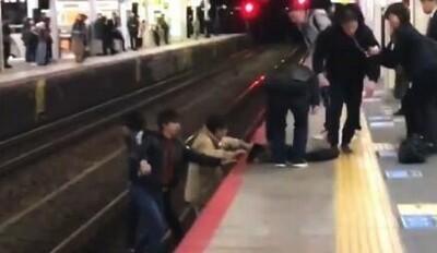 線路に侵入して人命救助は是か非か.jpg