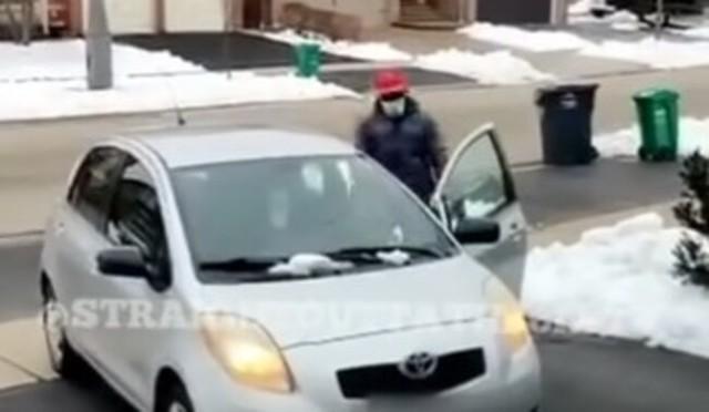 置き引窃盗犯が雪にスタック.jpg