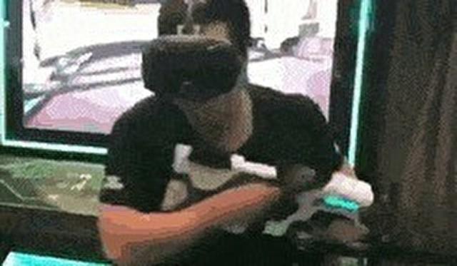 走れるVRのゲーム用トレッドミル.jpg