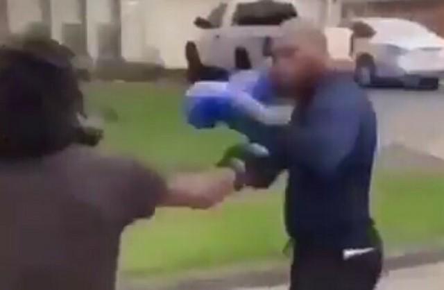 路上でボクシング一発KO.jpg