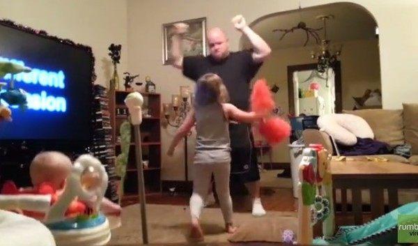 パパのチアリーディングダンス