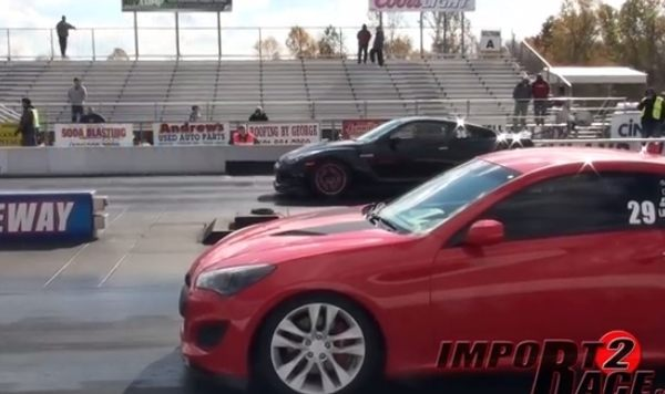 日産GT-Rとヒュンダイスポーツカー対決