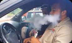 音に反応する煙