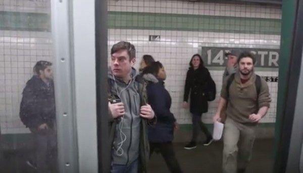 NYの地下鉄ニアミス
