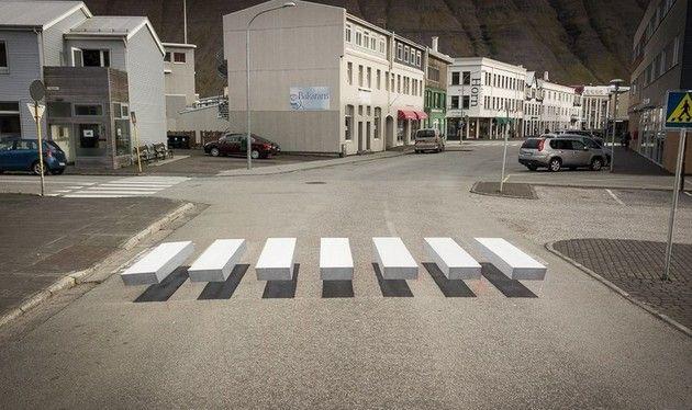 立体錯視の横断歩道