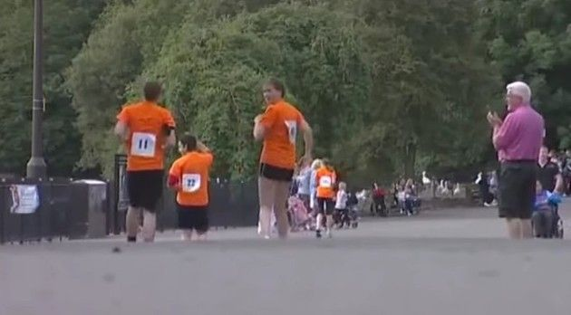 後ろ向きのマラソン大会