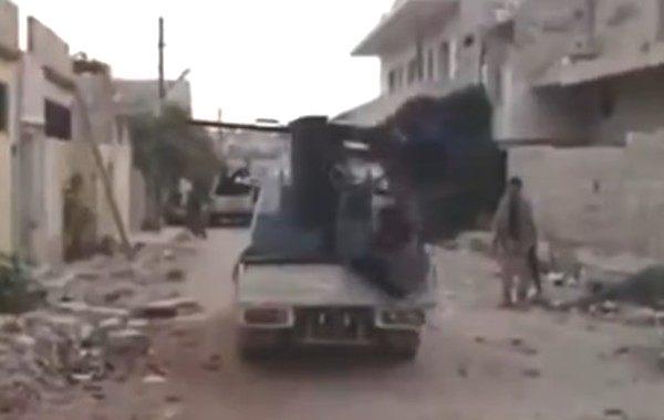 シリアの失敗映像で(笑)