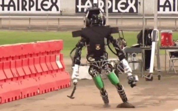ロボットの歩行失敗