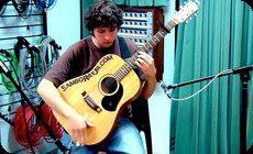 打楽器みたいに弾くギター