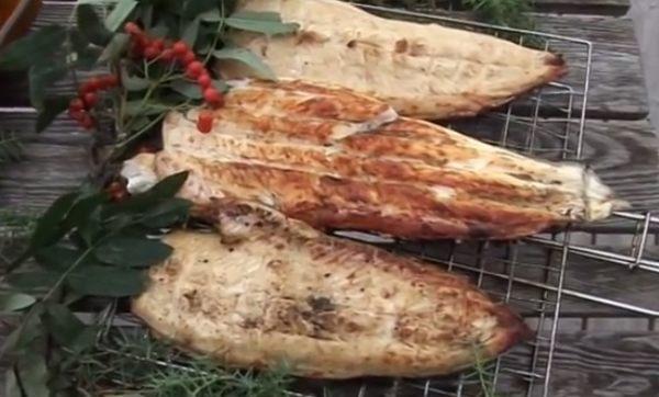 フィンランド流アウトドア魚料理