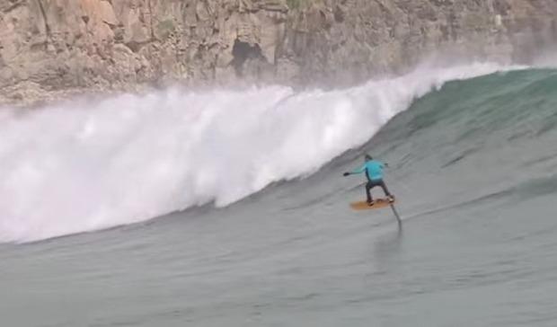 水中翼のあるサーフィン