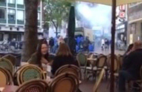 フランスのフーリガンがレストランを襲撃