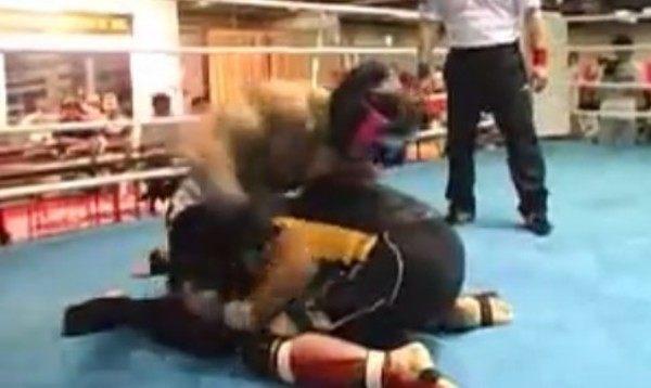 ボディービルダーの格闘技の試合