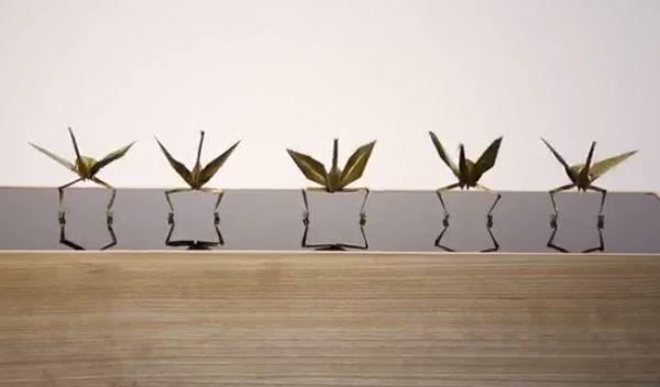 折り紙のダンス