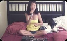 マイケルジャクソンの曲を歌う少女