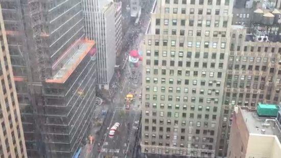 ニューヨークの一等地からの眺め、ビル