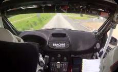 ラリーカーのクラッシュ車載映像