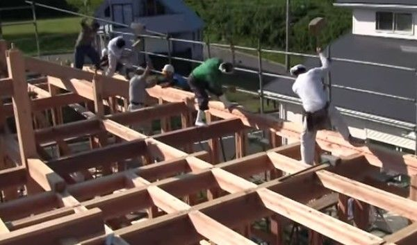 日本の宮大工みたいな建築タイムラプス