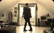 古めかしいダンスのセピア色の映像